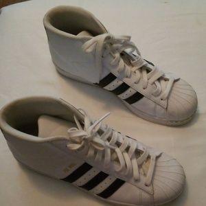 Adidas shoes men's size 9